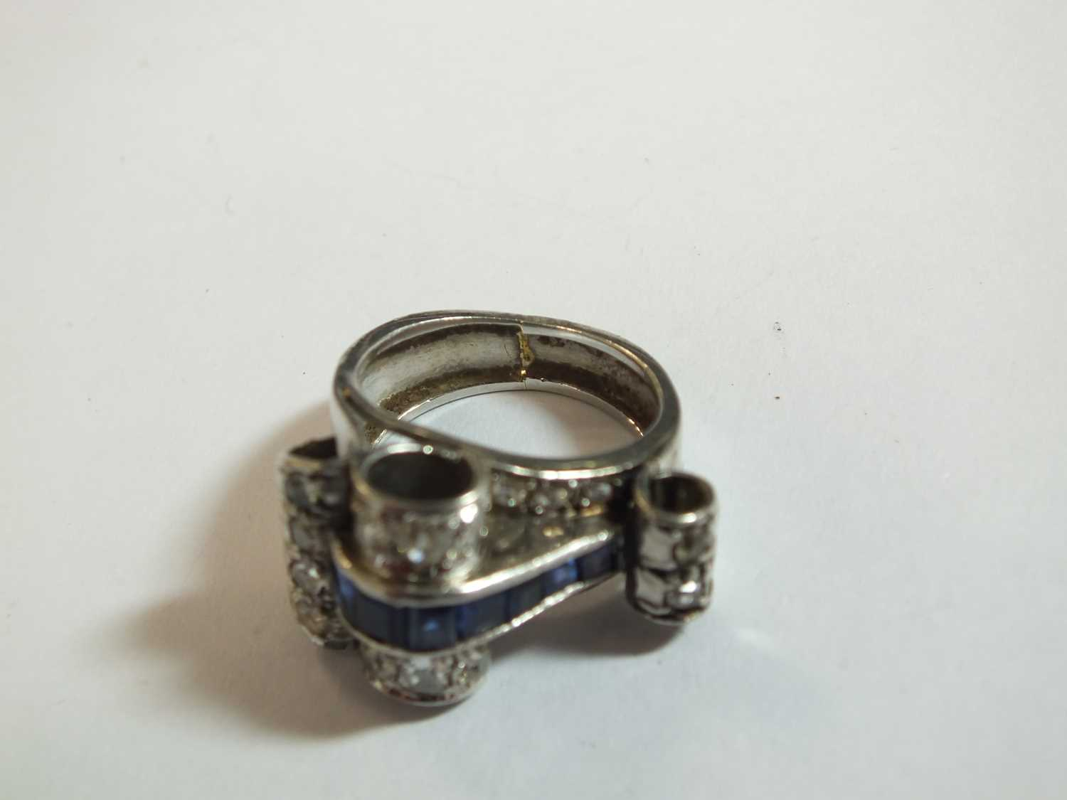 An Art Deco diamond and sapphire cocktail ring - Image 6 of 8