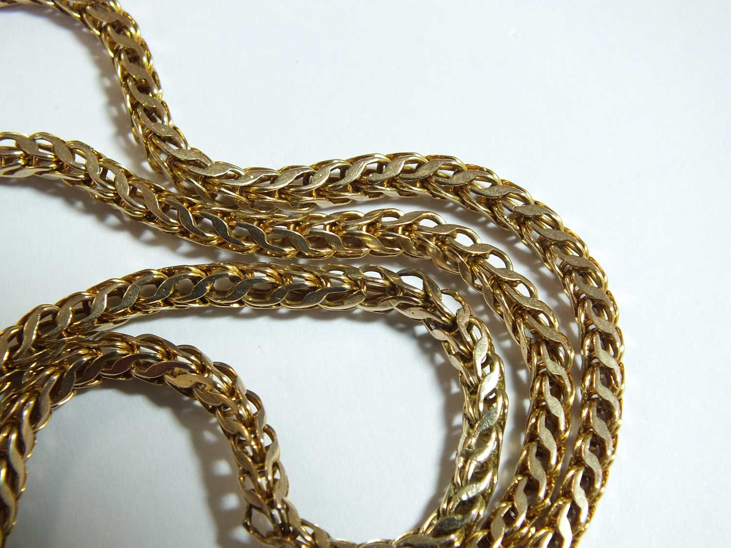 A yellow metal guard chain - Image 14 of 14