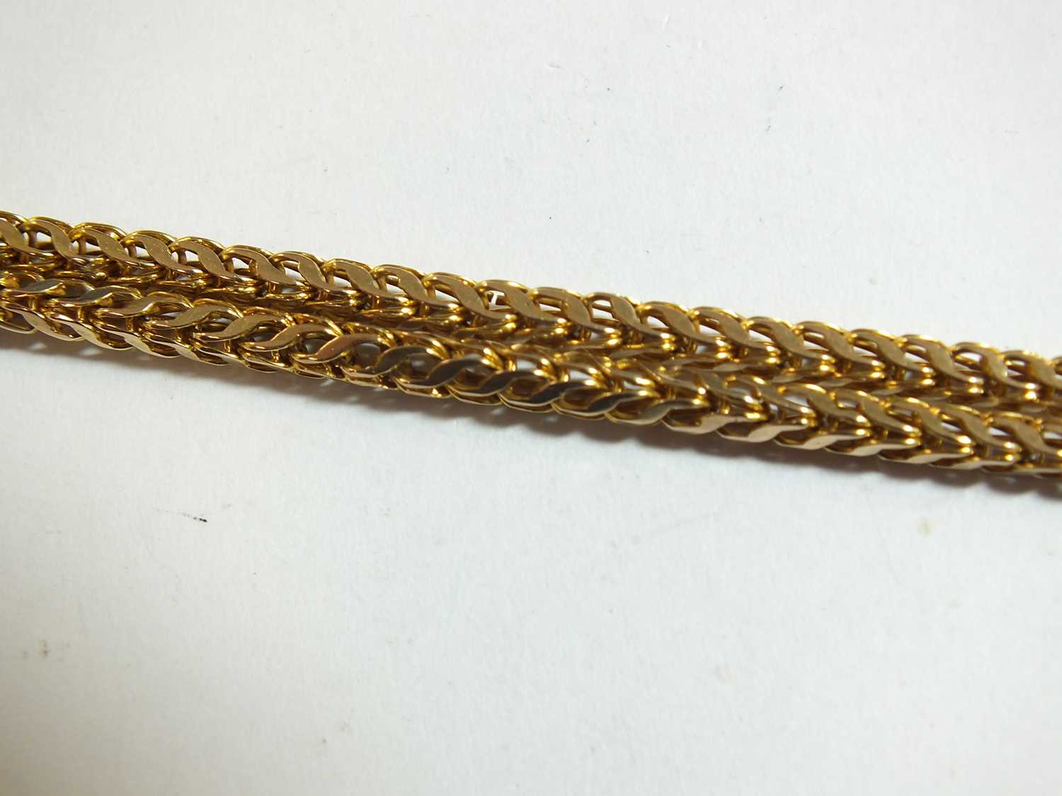A yellow metal guard chain - Image 11 of 14