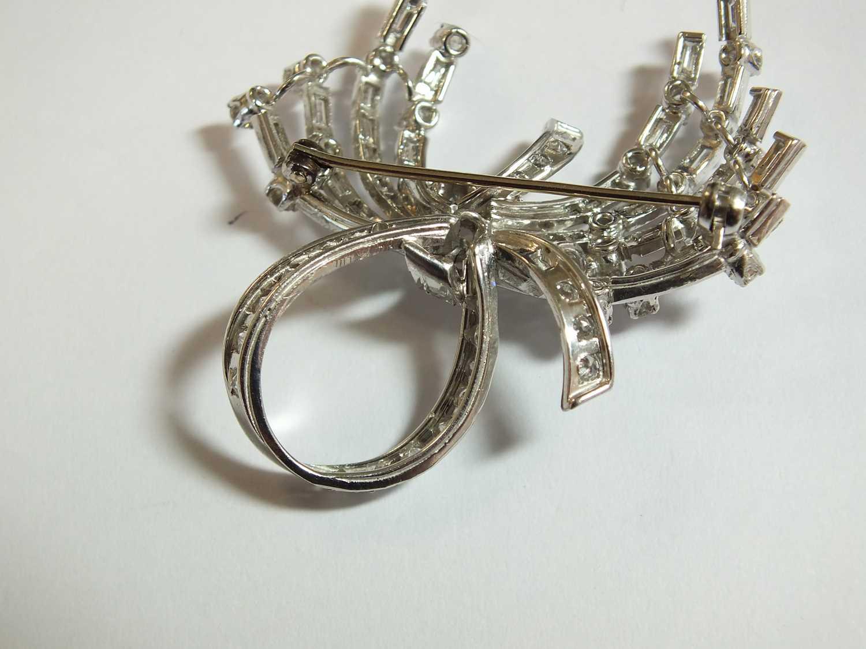 A diamond set scroll spray brooch - Image 5 of 9