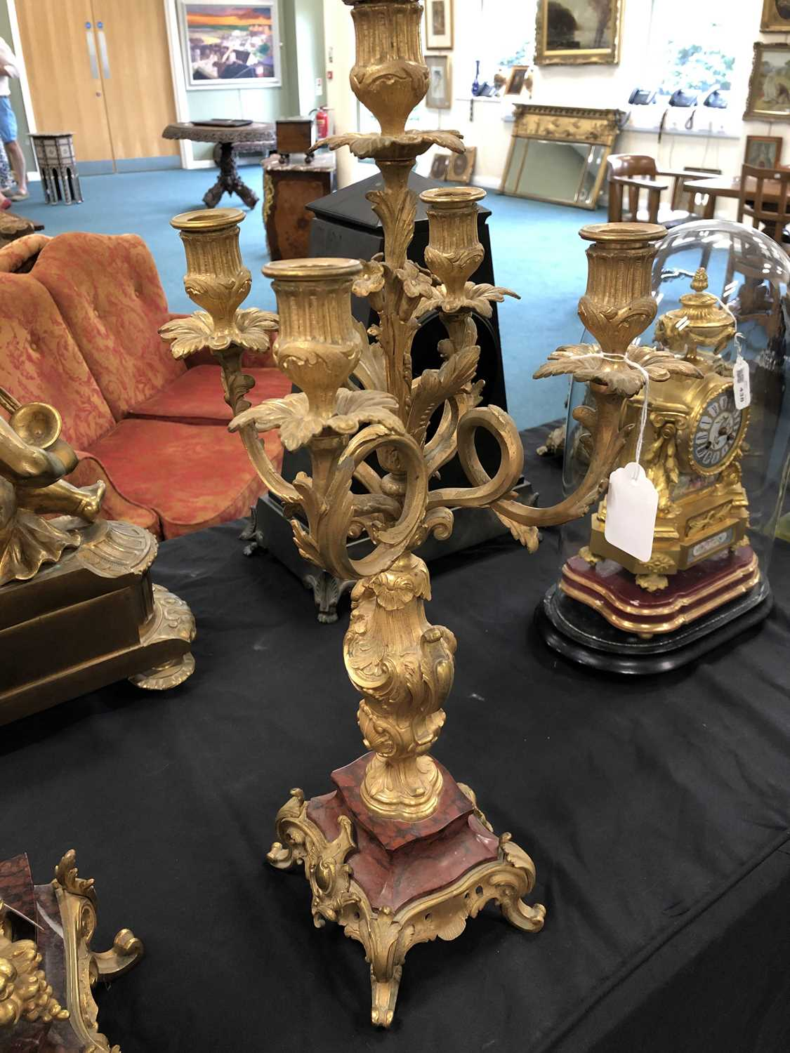A late 19th/early 20th century, French, Rococo style, ormolu and marble mantel clock garniture - Image 8 of 8