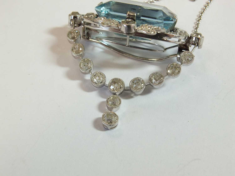 A Belle Epoque aquamarine and diamond pendant/brooch - Image 4 of 9