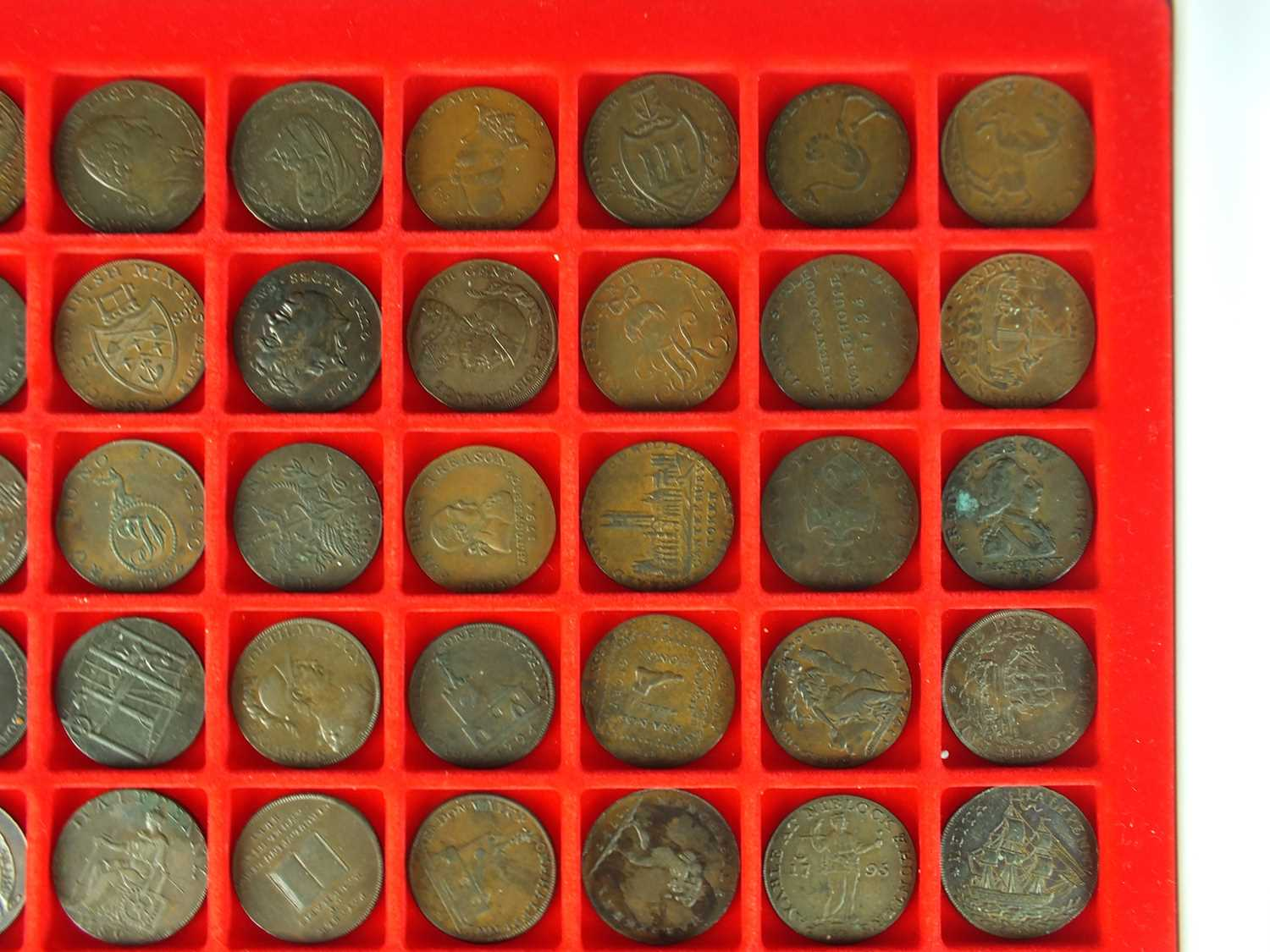 A collection of late 18th century British halfpenny copper trade tokens - Image 5 of 5