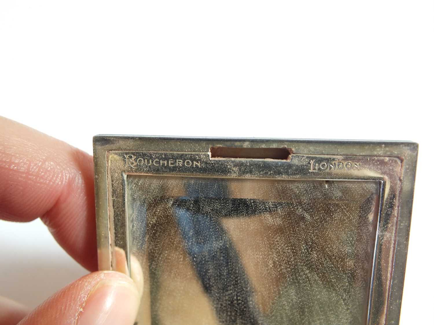 A French silver compact by Boucheron - Image 7 of 10