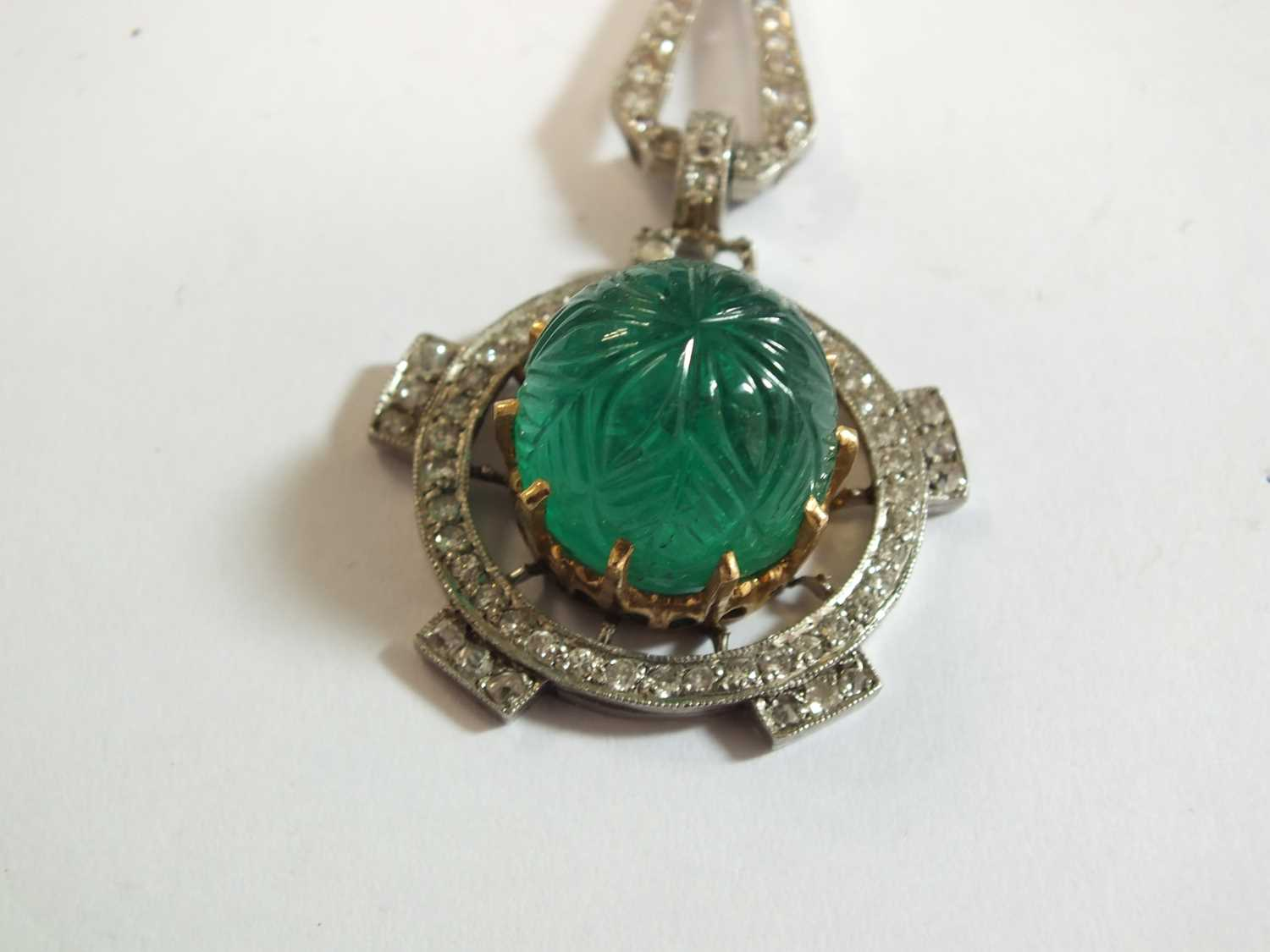 An Art Deco emerald and diamond pendant on chain - Image 3 of 14