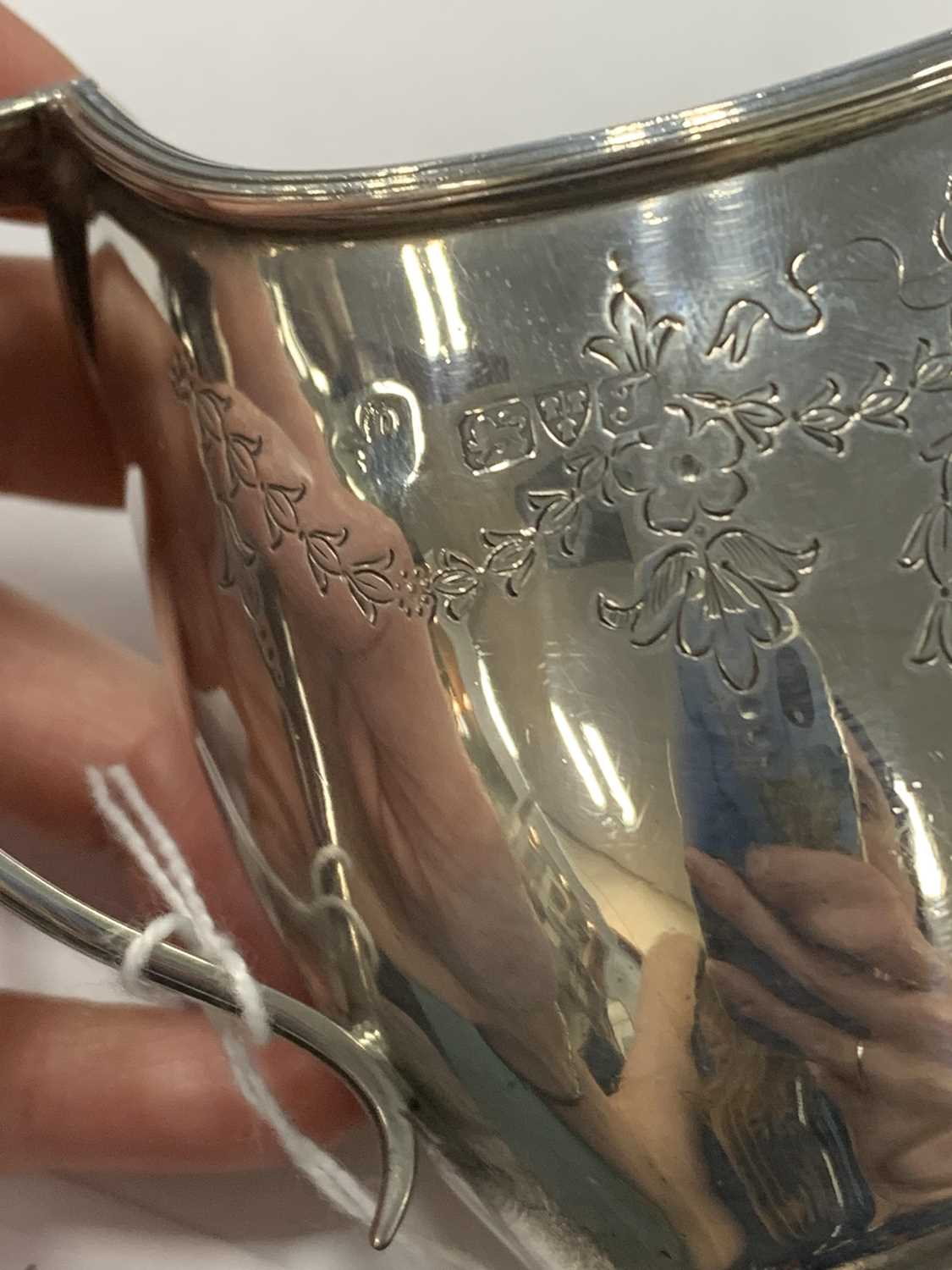 An early 20th century three piece silver tea service - Image 2 of 15