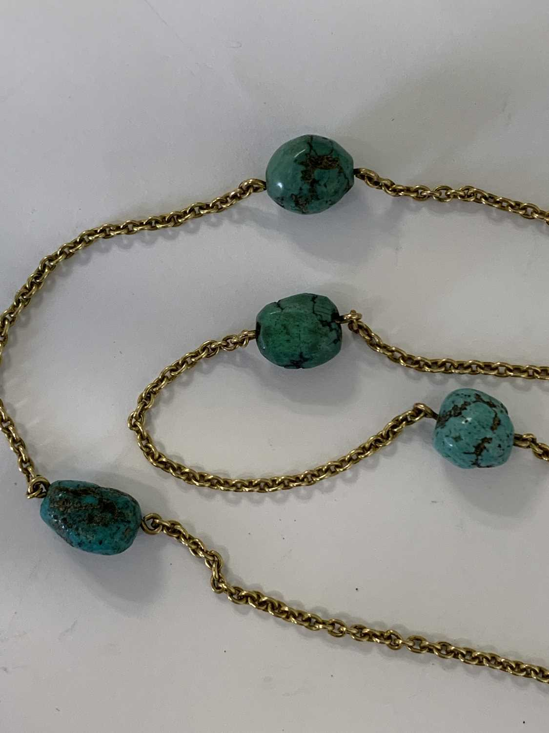 A turquoise and split pearl circular locket pendant - Image 5 of 9