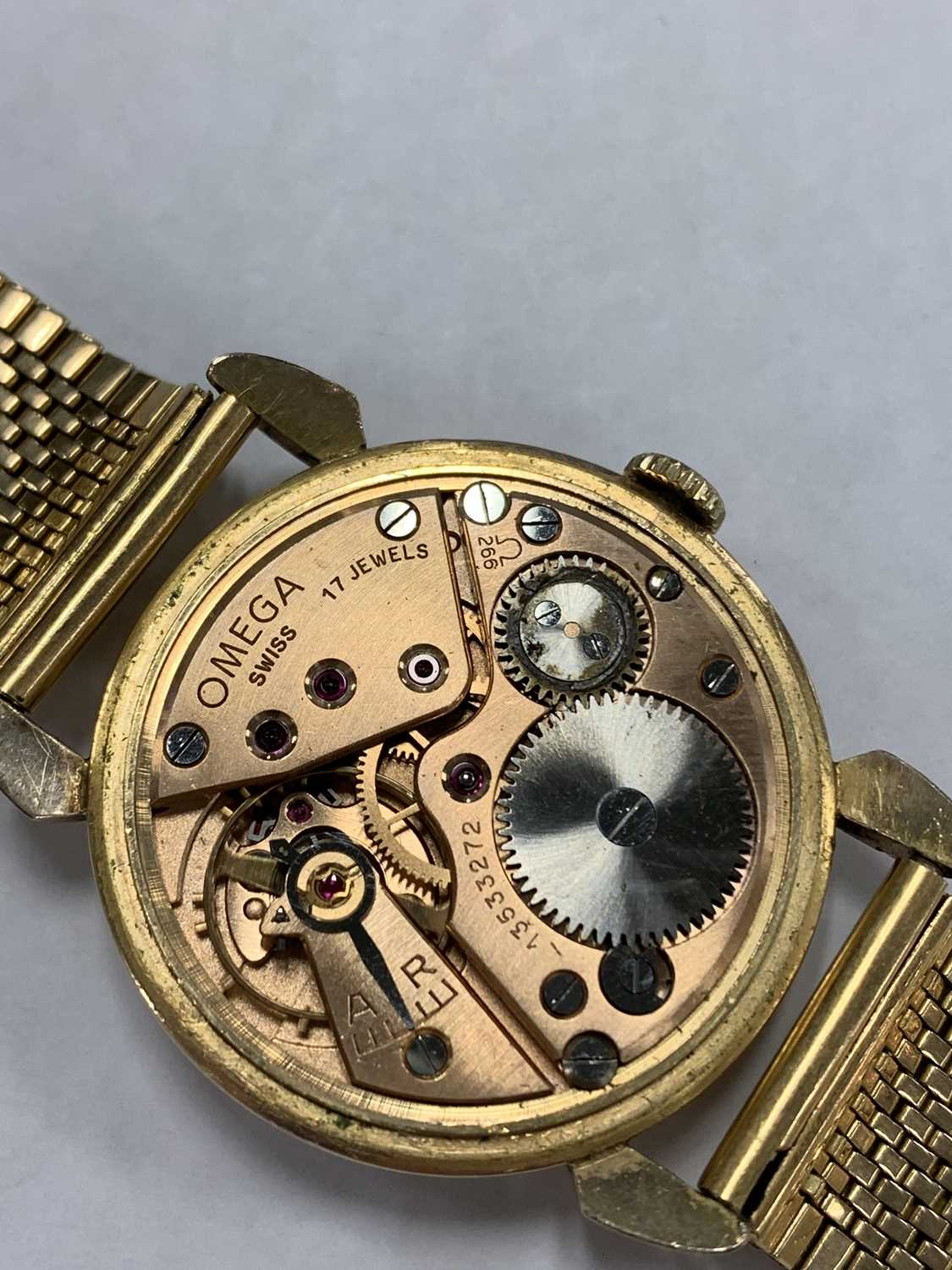 A Gentleman's gold plated Omega wristwatch with yellow metal bracelet - Image 7 of 9