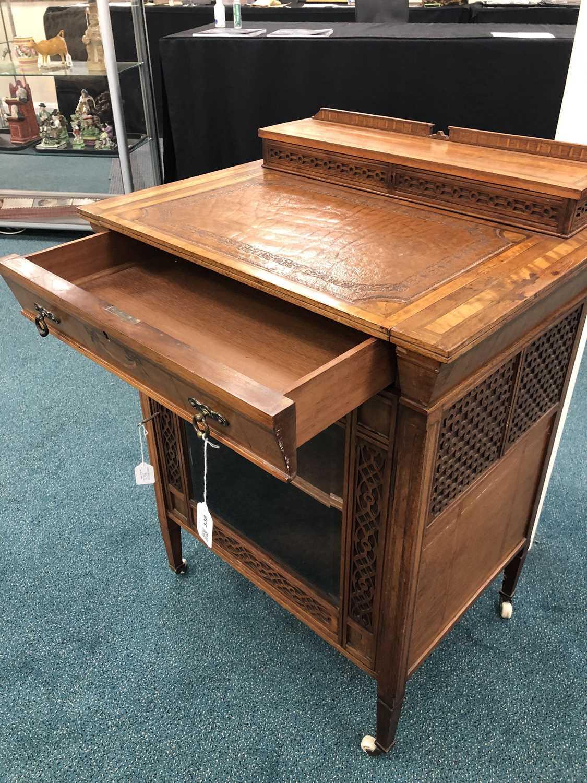 An unusual Edwardian inlaid Davenport type desk - Image 6 of 10