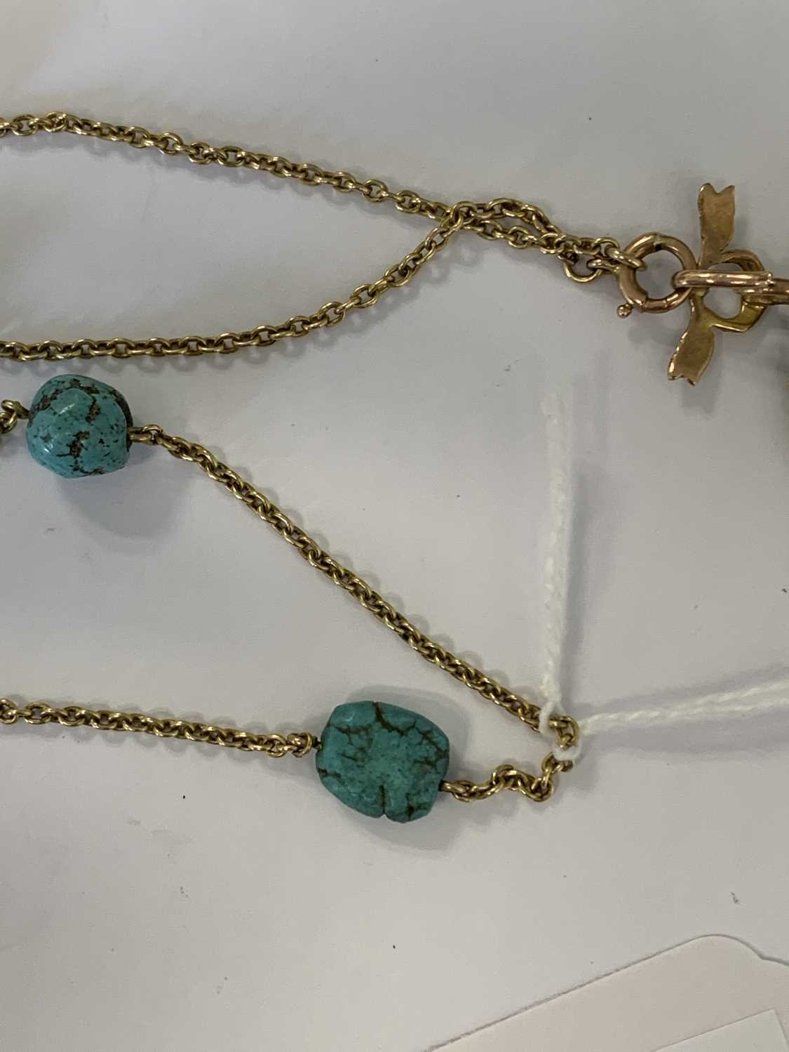 A turquoise and split pearl circular locket pendant - Image 6 of 9