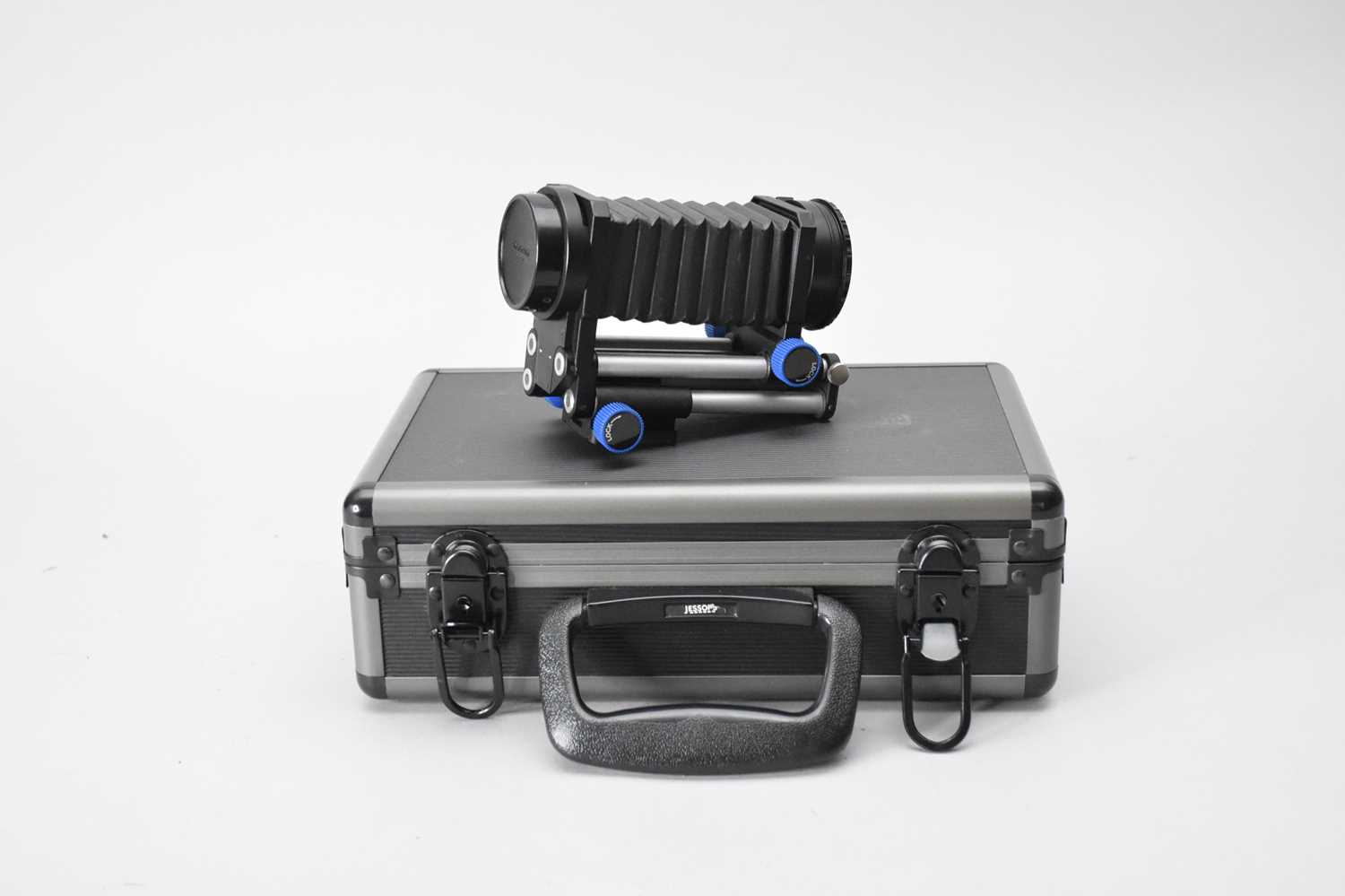 A collection of photographic accessories - Image 4 of 5