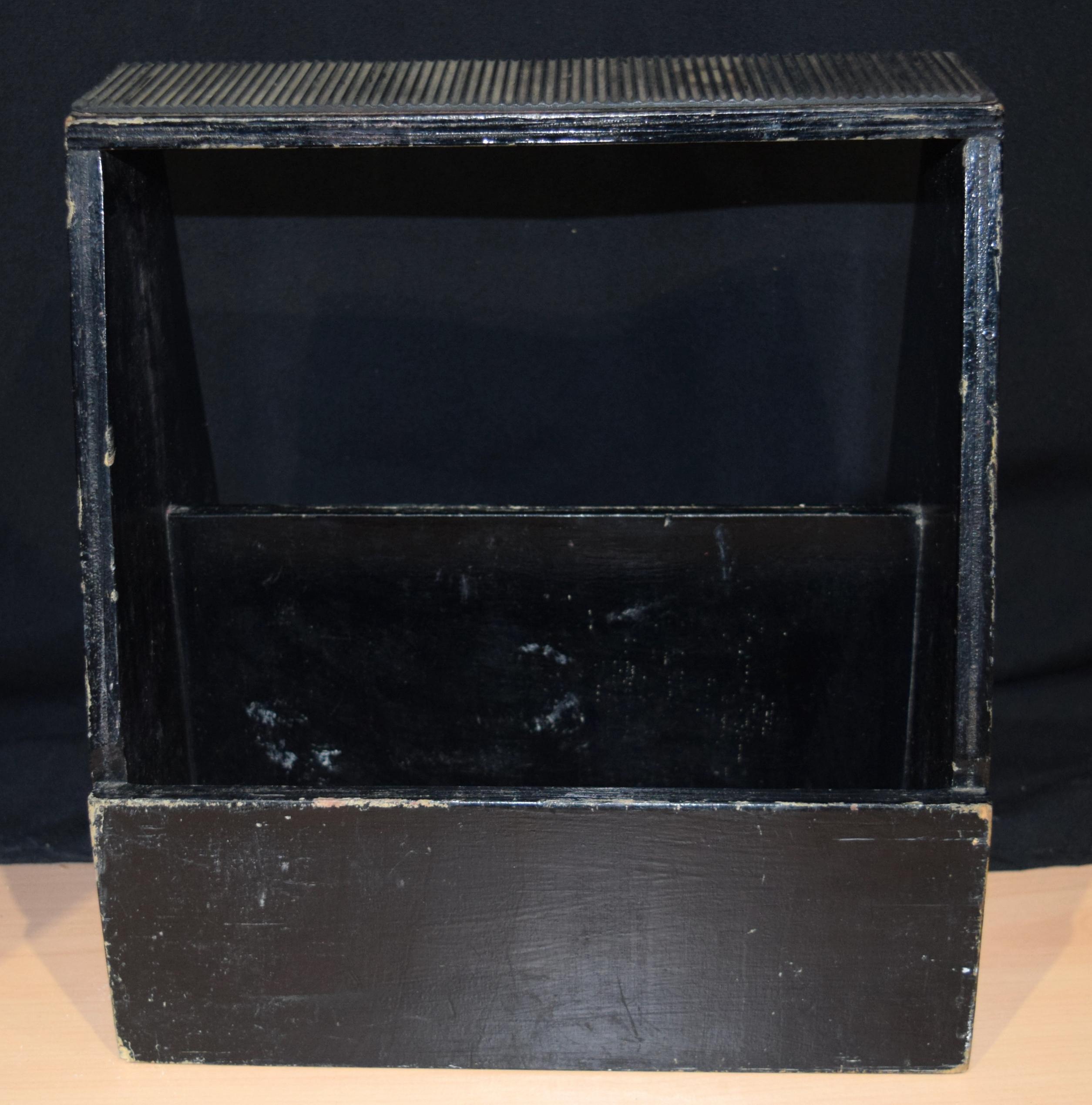 A vintage folding KIWI shoe polishing stand 99 x 43 cm. - Image 5 of 5