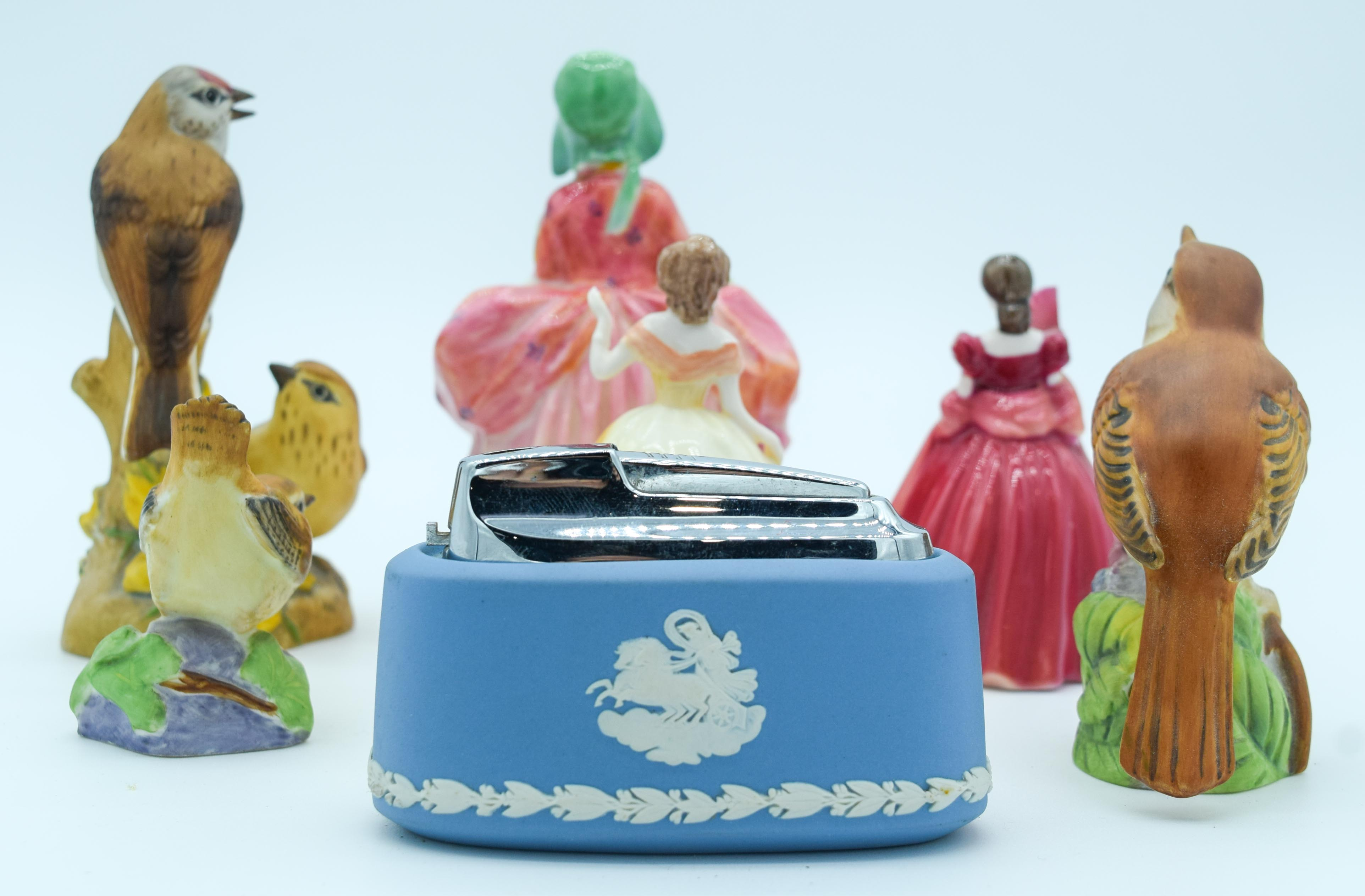 Collection of figures Coalport, Royal Worcester and Wedgwood largest 13 cm (7). - Image 2 of 4