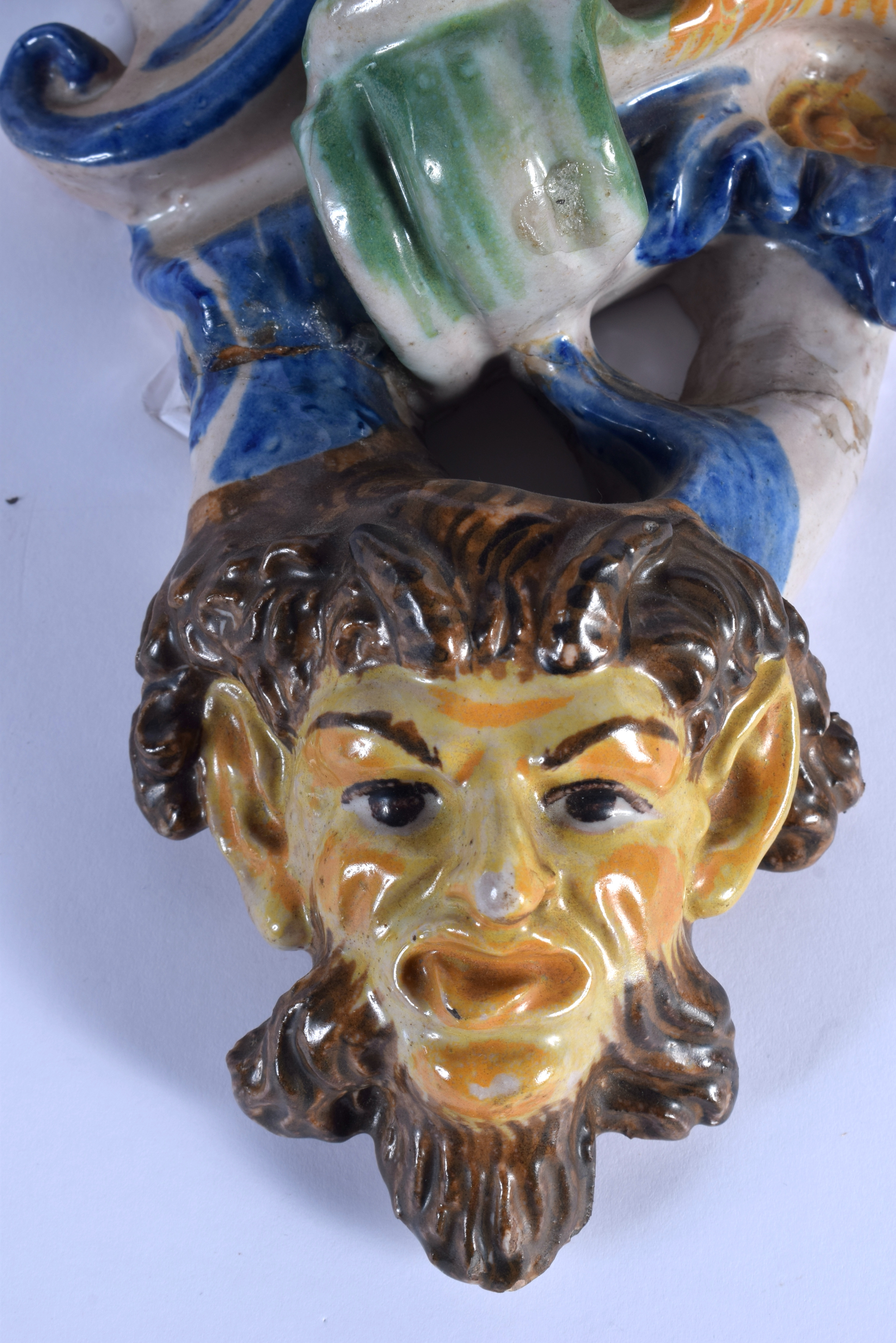 A LARGE PAIR OF 19TH CENTURY ITALIAN MAJOLICA POTTERY WALL BRACKETS formed with figures over mask he - Image 4 of 7