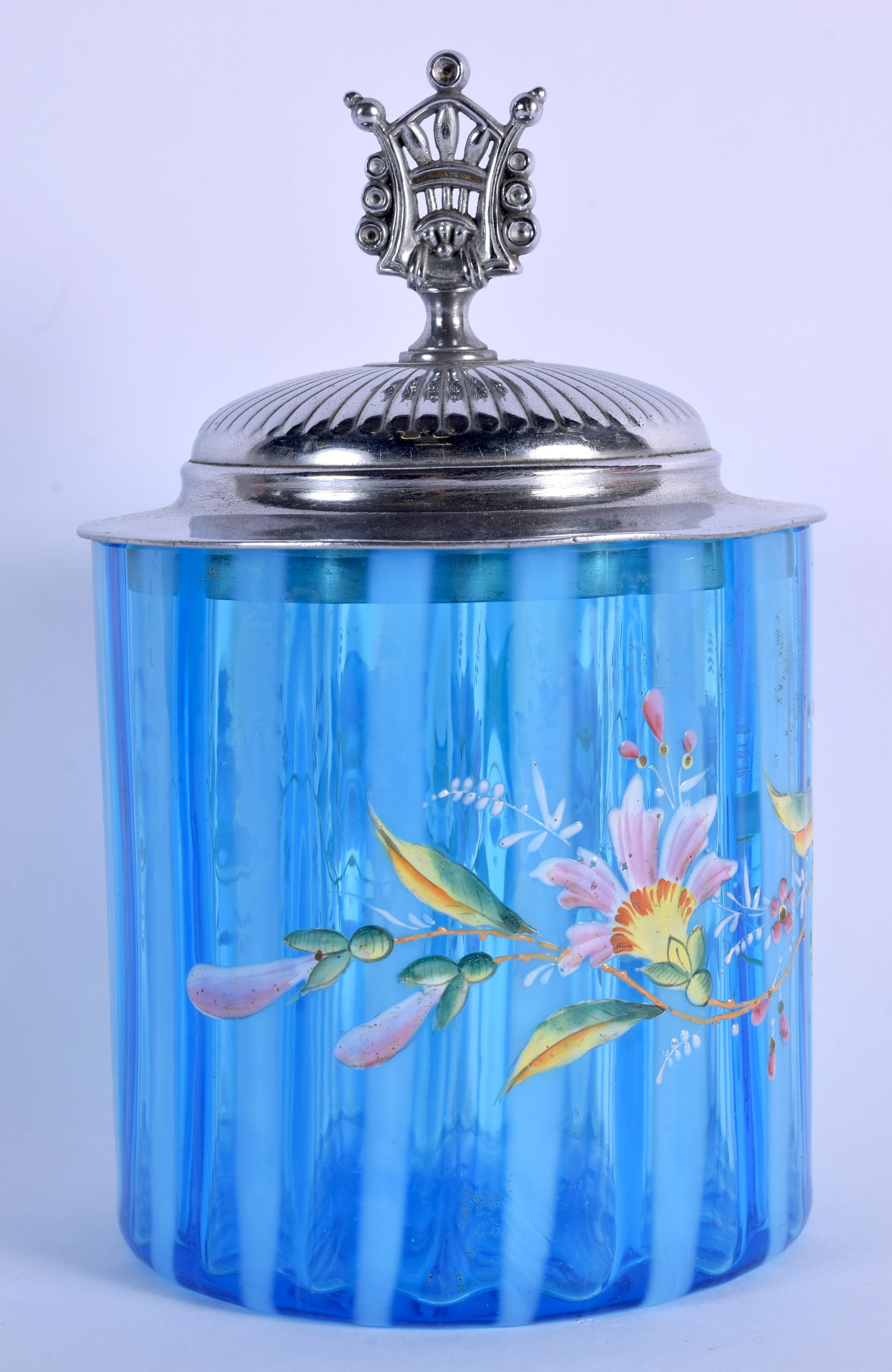 AN EDWARDIAN ENAMELLED BLUE FLASH BISCUIT BARREL AND COVER decorated with flowers. 19 cm high. - Image 2 of 4