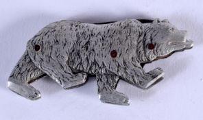 A VERY RARE 1920S ROAMING BEAR POCKET KNIFE. 5.5 cm x 3 cm.