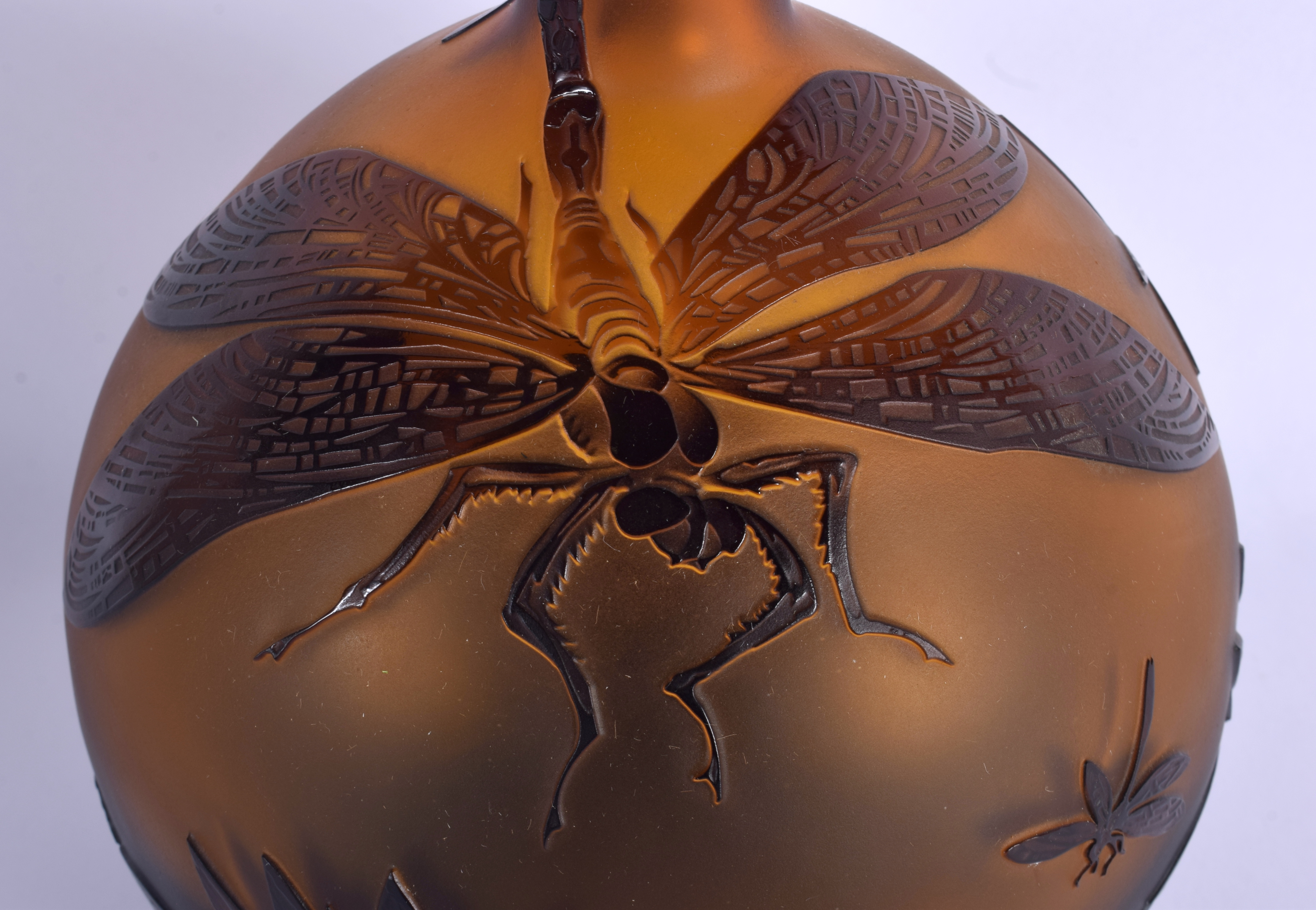 A LARGE ZELENKA CAMEO GLASS VASE decorated with insects. 40 cm high. - Image 2 of 5
