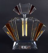 AN ART DECO STYLE AMBER AND CLEAR GLASS SCENT BOTTLE. 24 cm x 16 cm.