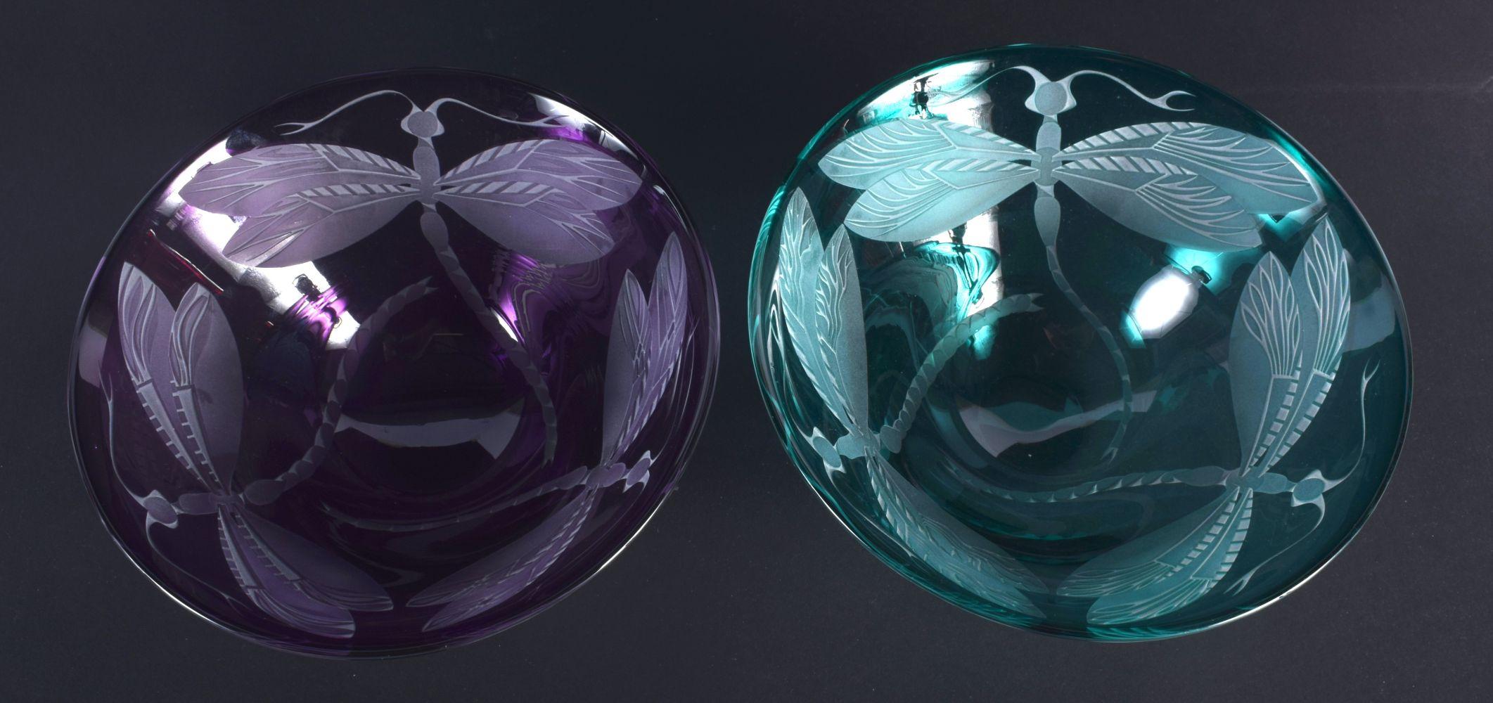 A PAIR OF CONTEMPORARY ART GLASS DRAGONFLY BOWLS. 13 cm diameter. - Image 2 of 3