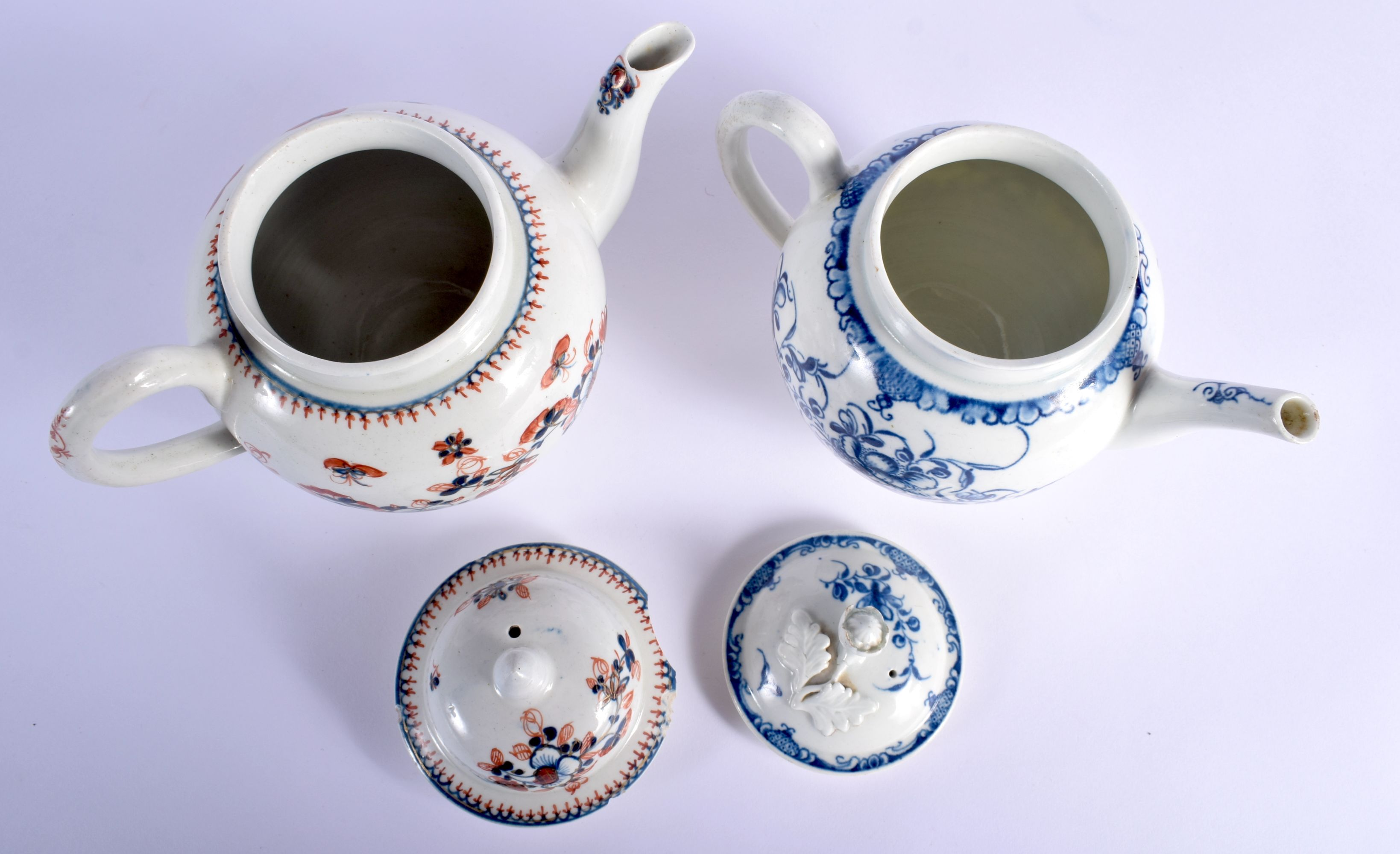AN 18TH CENTURY WORCESTER MANSFIELD TEAPOT AND COVER together with a Liverpool overglazed teapot and - Image 3 of 4