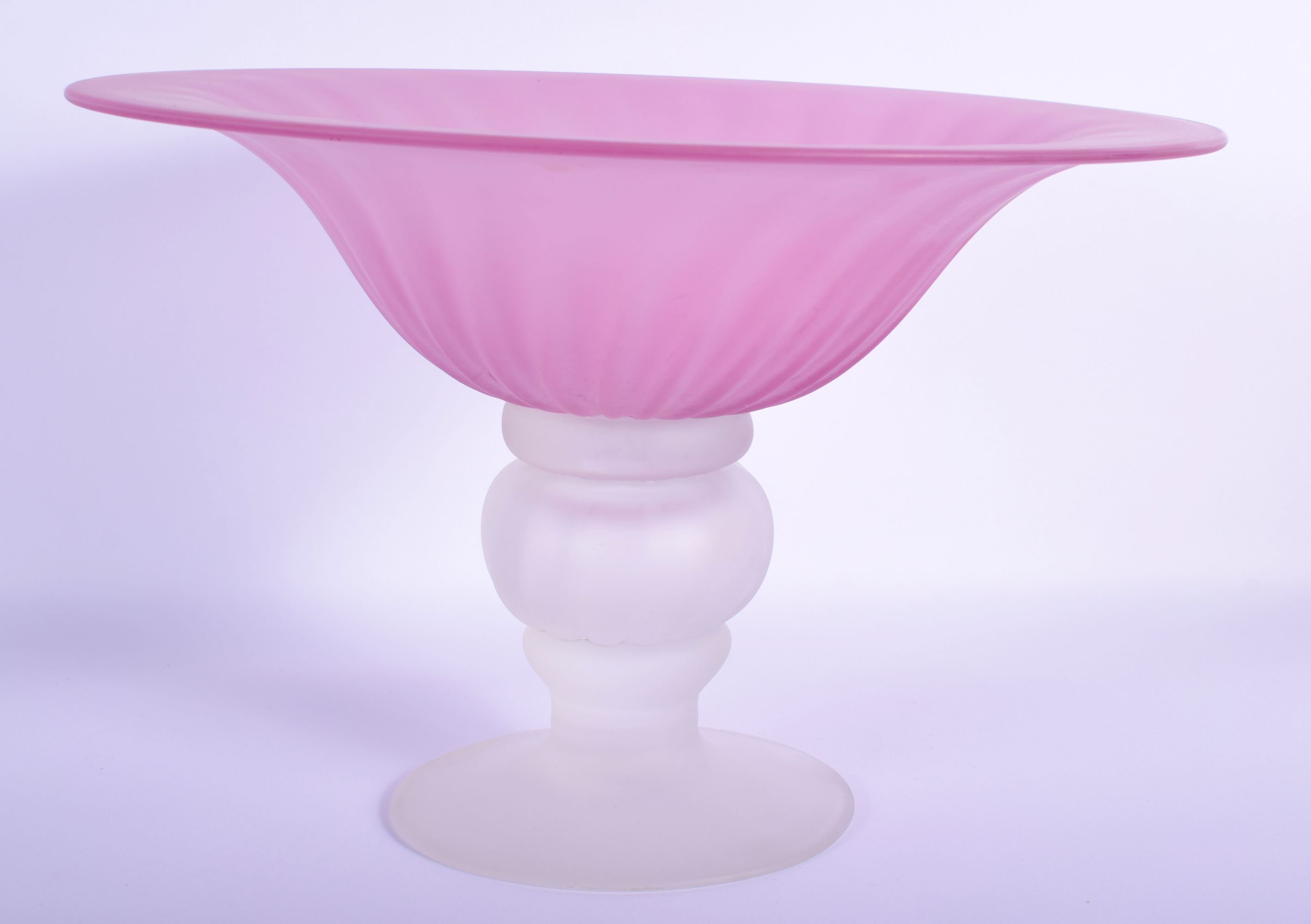 A RARE THOMAS GOODE & CO FROSTED PINK AND CLEAR COMPORT LA Studios, with wrythen moulded bodies. 28 - Image 2 of 5