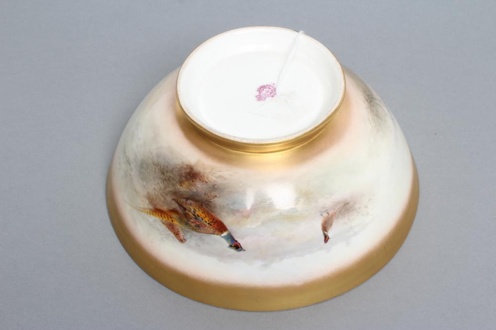 A ROYAL WORCESTER CHINA BOWL, 1919, of plain circular form, painted in polychrome enamels by James - Image 3 of 3