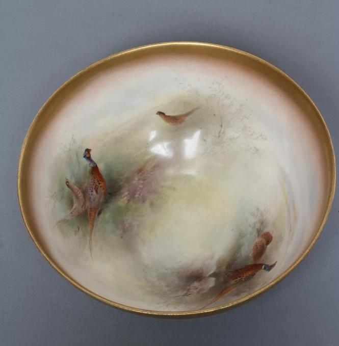 A ROYAL WORCESTER CHINA BOWL, 1919, of plain circular form, painted in polychrome enamels by James - Image 2 of 3