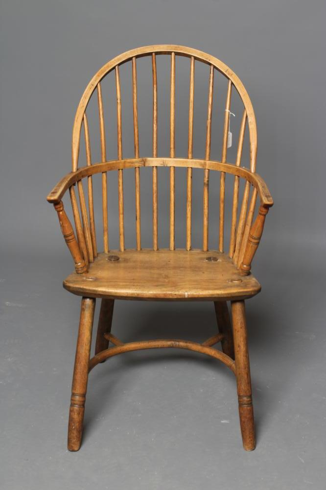 AN ASH STICK BACK WINDSOR ARMCHAIR, early 19th century, the hoop back over bowed seat, baluster - Image 4 of 4