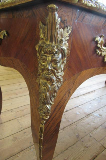 A LOUIS XV STYLE KINGWOOD AND TULIPWOOD BUREAU PLAT, 19th century, of serpentine form with gilt - Image 6 of 9