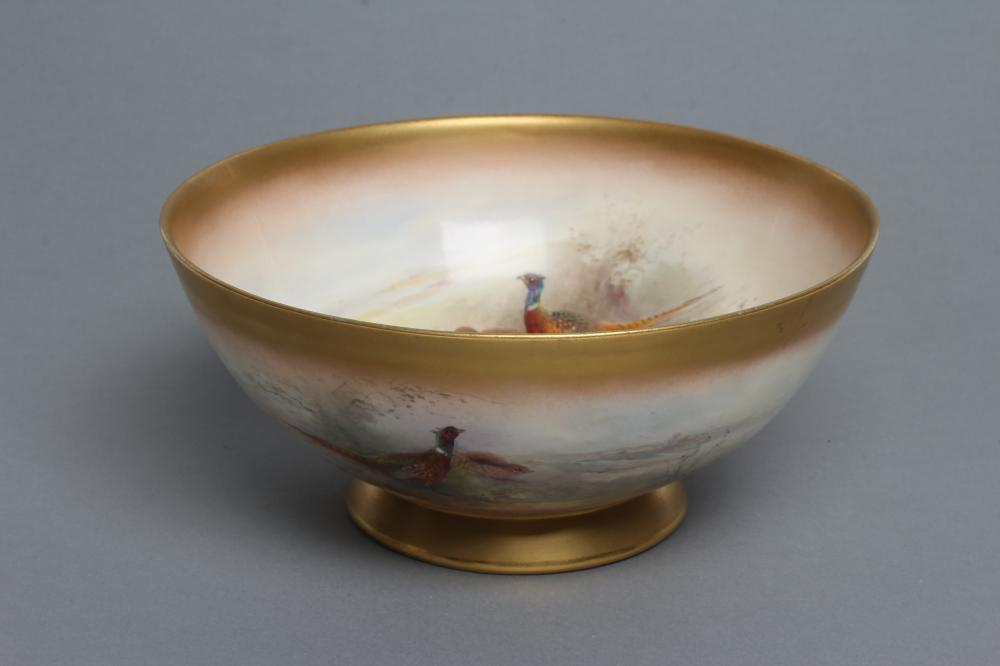 A ROYAL WORCESTER CHINA BOWL, 1919, of plain circular form, painted in polychrome enamels by James