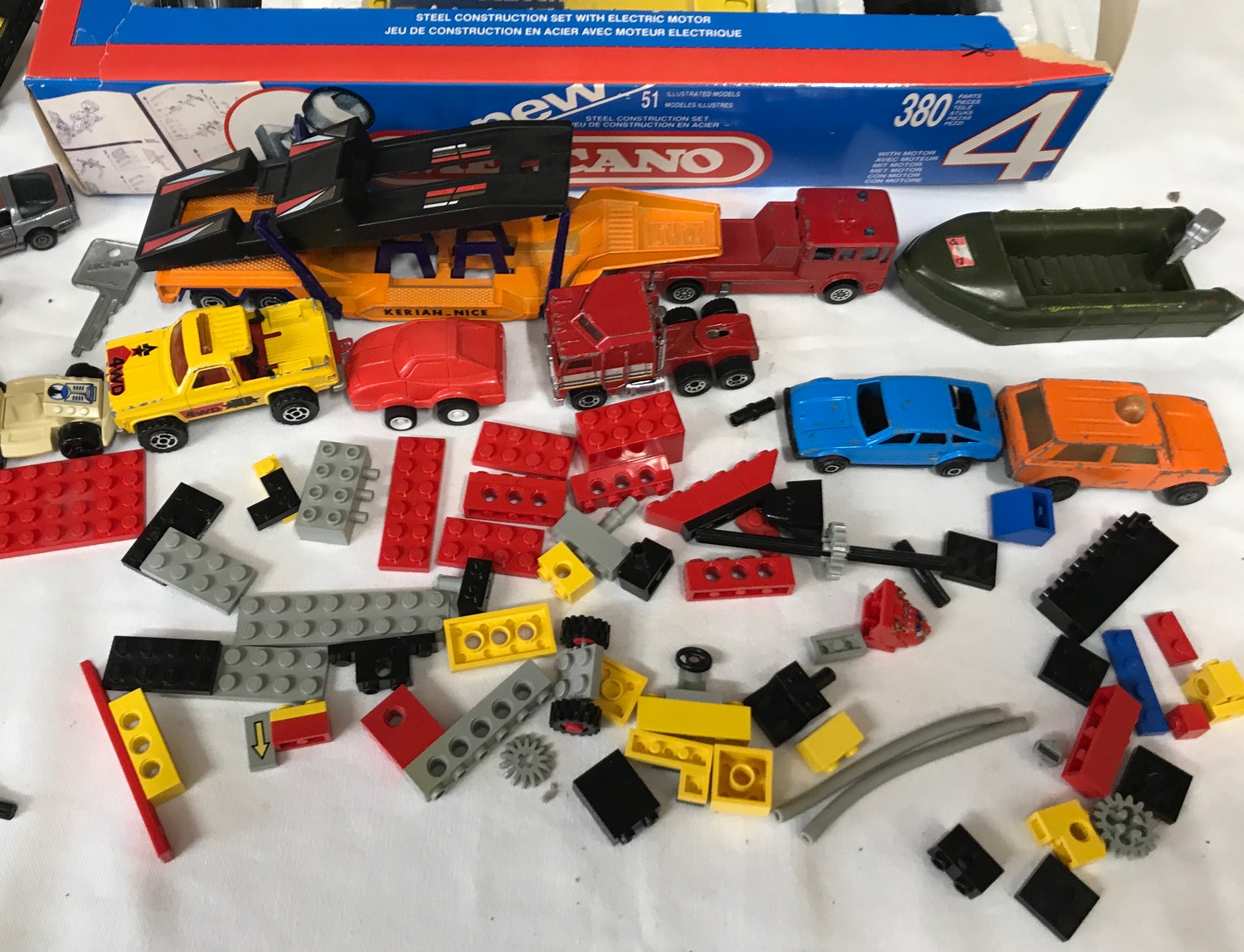 Meccano set number 4, boxed, assorted Lego pieces and plastic vehicles, playworn.Condition - Image 3 of 4