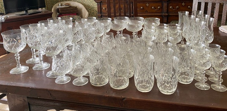 A suite of full lead crystal glasses to include 7 champagne 14cms h, 9 liqueur, 9 sherry, 10 whisky, - Image 3 of 8
