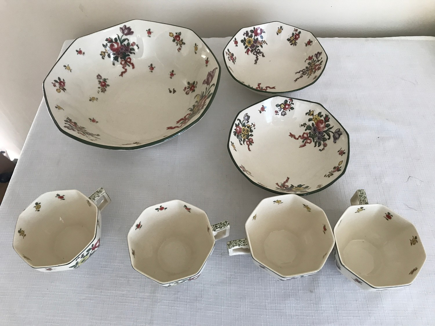 """A part Royal Doulton 36 piece tea service """"Old Leeds Sprays"""" to include large plate 28.5cms, cake - Image 6 of 6"""