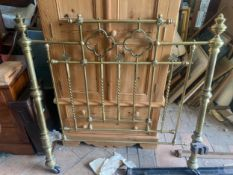 A 19thC brass double bedstead 4' 6''.Condition ReportGood condition.