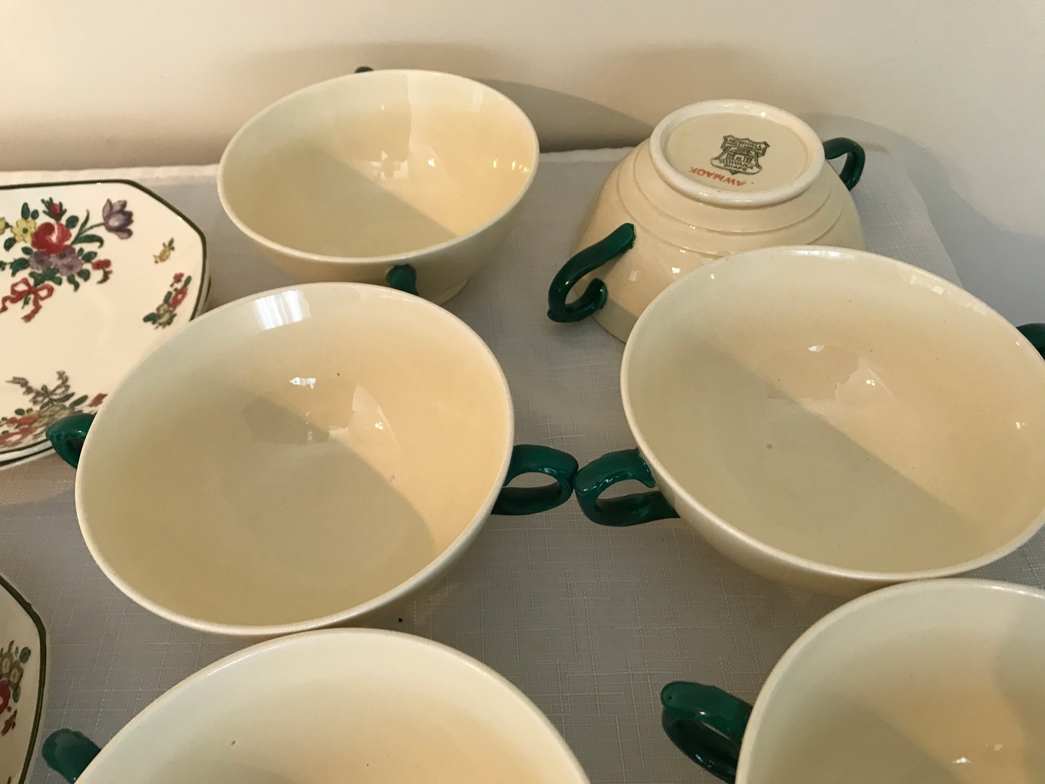"""A part Royal Doulton 36 piece tea service """"Old Leeds Sprays"""" to include large plate 28.5cms, cake - Image 4 of 6"""