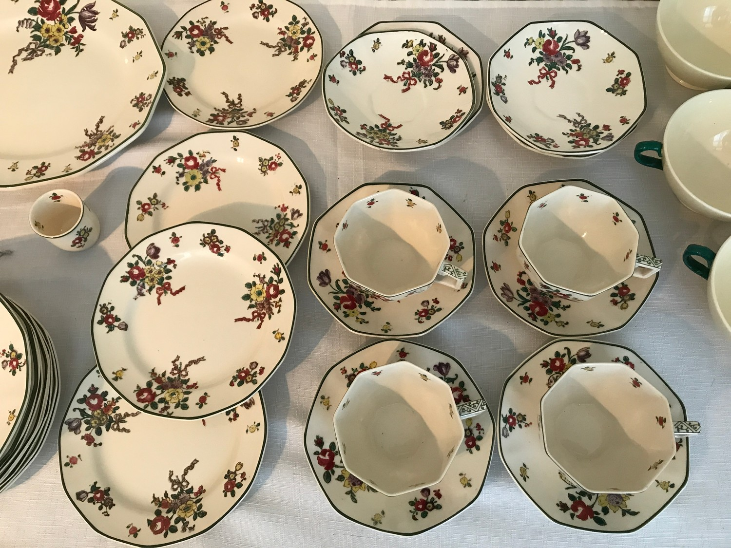 """A part Royal Doulton 36 piece tea service """"Old Leeds Sprays"""" to include large plate 28.5cms, cake - Image 3 of 6"""