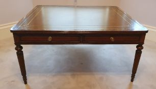 A VERY FINE WILLIAM IV STYLE 20TH CENTURY MAHOGANY COFFEE TABLE,