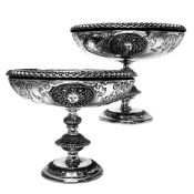 A FINE PAIR OF LATE 19TH CENTURY SILVER COMPORTS / DISHES, London