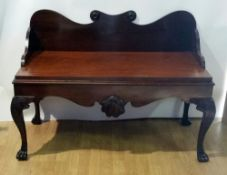 A VERY FINE 19TH CENTURY IRISH CARVED MAHOGANY HALL BENCH, with t
