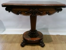A VERY FINE WILLIAM IV ROSEWOOD FOLD OVER GAMES / CARD TABLE, with figured rosewood fold over top,