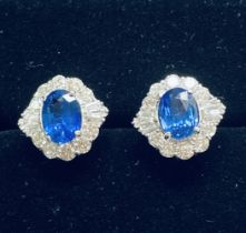 A BEAUTIFUL PAIR OF 18CT WHITE GOLD SAPPHIRE AND DIAMOND ART DECO STYLE CLUSTER EARRINGS, sapphire w