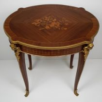 A VERY FINE EARLY 20TH CENTURY MARQUETRY INLAID MAHOGANY AND KINGWOOD OCCASSIONAL TABLE, having cent