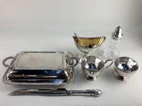 An Elkington & Co silver plate pedestal bowl, with gilt interior, an Elkington & Co silver plated