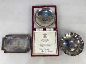 An Elizabeth II silver crown inset dish, maker Roberts & Dore Ltd, London 1975, limited edition