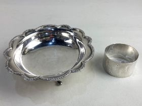 An Elizabeth II silver sweets dish, maker Mappin & Webb, Sheffield 1970, together with a silver