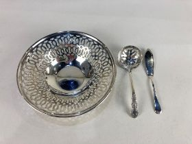 An Elizabeth II silver pierced bonbon dish, maker Bishton's Ltd, Birmingham 1969, together with a