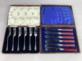 A cased set of six George V silver cake forks, maker KBS, London 1933, 3oz, together with a cased