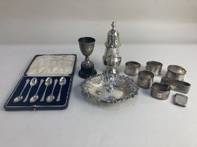 A cased set of six George V silver coffee spoons, maker Robert Pringle & Sons, Sheffield 1922, a