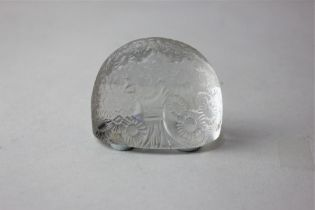 An R Lalique 'Marguerites' glass menu holder, of domed form, 4cm high (a/f)