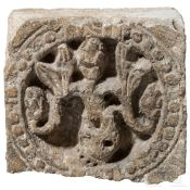 Fragment eines romanischen Kalksteinfrieses, Frankreich, wohl Cluny, 11./12. Jhdt.